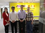 鼎芯股份与韩国客户三星配套商ODT公司林成泰先生及尹希根先生合影